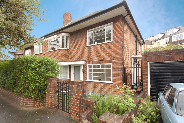 Grove Crescent, Kingston upon Thames, KT1